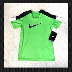 New with tags Nike boys green shirt 4